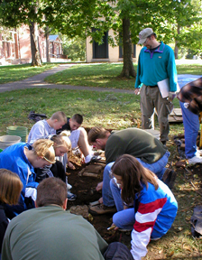 Students conduct excavations at Ashland; KAS, 2006